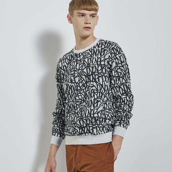 Vêtement Lacoste désigné par Jonone