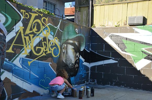Portrait graffiti du rappeur de Compton dans une rue de Los Angeles