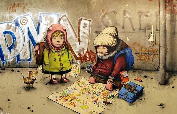 Deux enfants se font face dans la rue