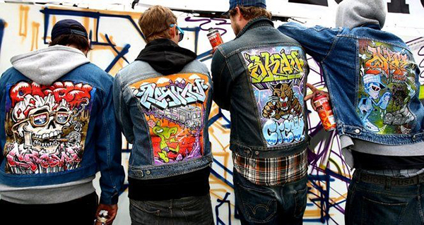 02_Jacket_Graffiti