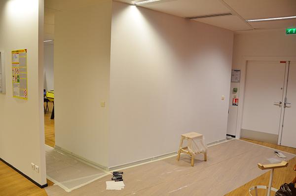 préparation de la pièce avant d'entamer les travaux de décoration dans une pièce