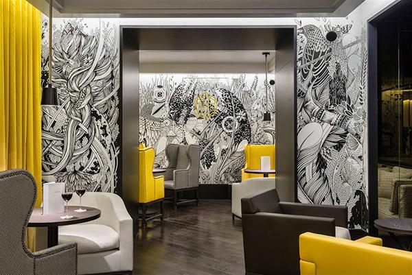Vue de l'intérieur du restaurant bar parisien du 16e arrondissement