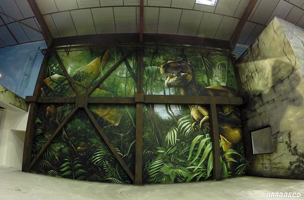 scène dans la jungle où apparaît un T Rex