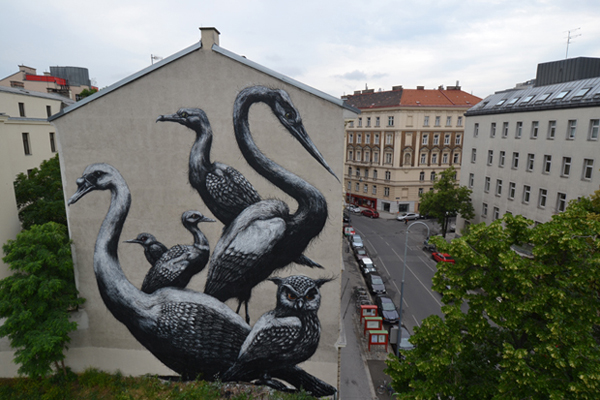immensité frappante des créatures peintes par Roa sur les murs de la ville