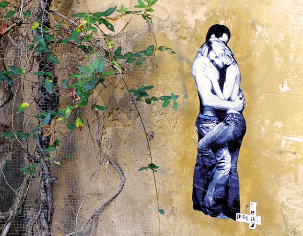 Collage, pochoir, mur, rue, couple, amour, street artiste